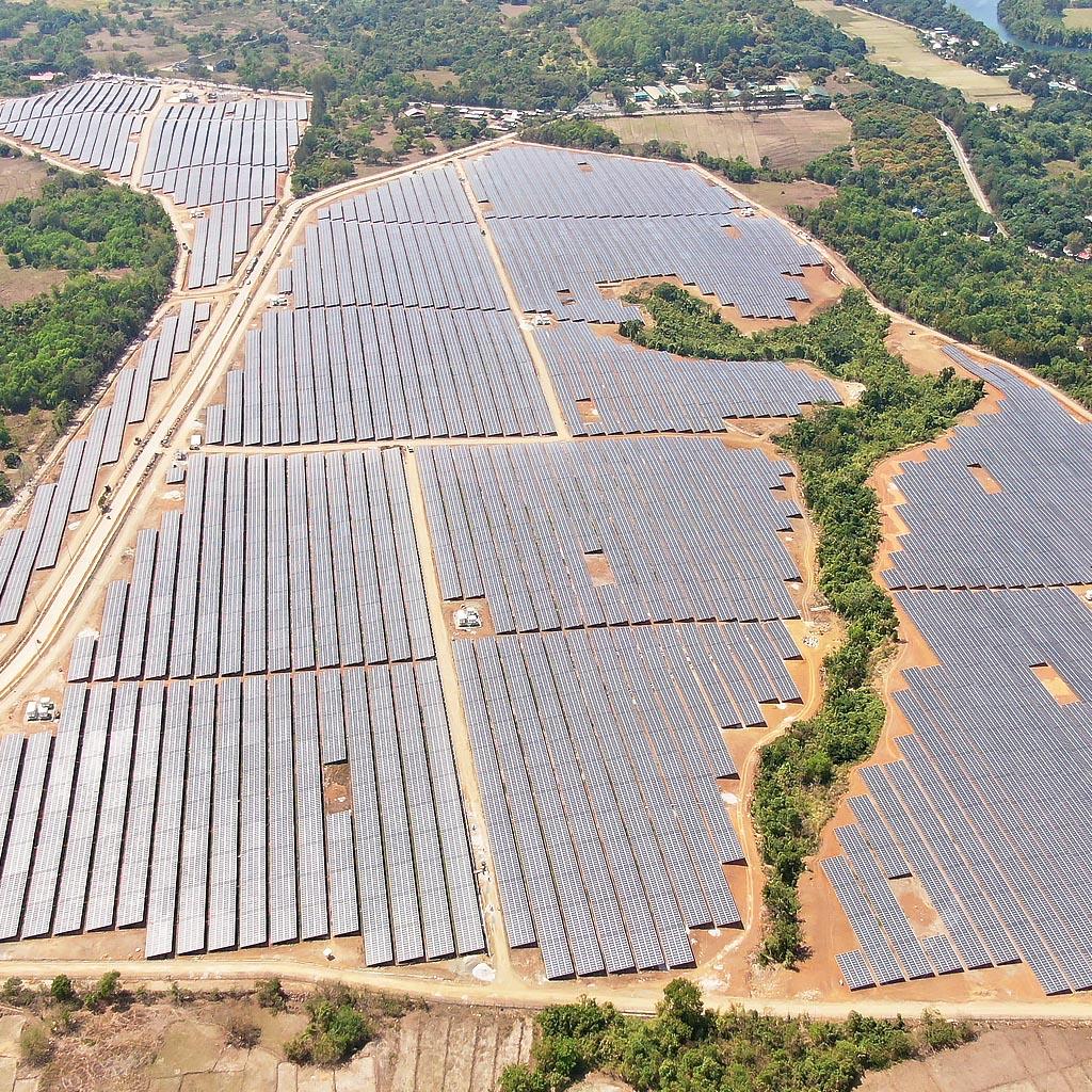 Large-scale solar epcc service provider-ers energy 2